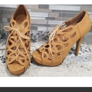 Suede paprika beige lace up heels size 9 like new